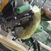 Hitachi-10-Inch-Compound-Miter-Saw-0-10