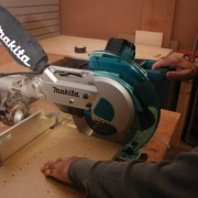 Makita-LS1016-10-Inch-Dual-Slide-Compound-Miter-Saw-0-2